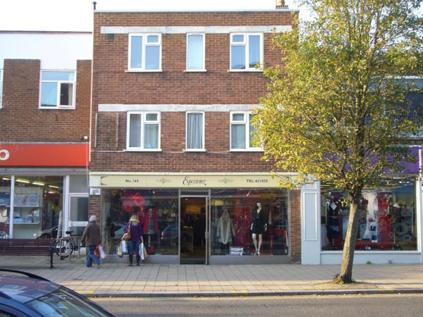 Shop to let 164 Fleet Road